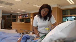 Raquel Torres on yksi paristakymmenestä filippiiniläisestä sairaanhoitajasta, jotka HUS rekrytoi töihin.