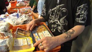 Ruoka-apua Luukkaan asemalla Lappeenrannassa
