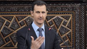 Bashar al-Assad pitämässä puhetta Syyrian parlamentille 3. kesäkuuta 2012.