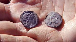 Jerseyn saarelta löydettyjä rauta-ajan kolikoita.