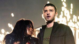 Janet Jackson ja Justin Timberlake esiintymässä Super Bowlin väliaikashowssa.