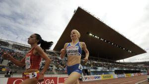 Johanna Lehtinen juoksee.