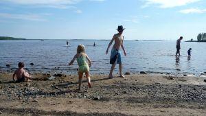uimaranta kesä hiekkaranta