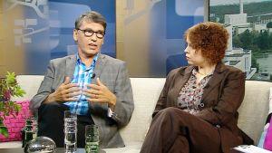 Seksin ostaminen saatetaan kieltää kokonaan: Asiasta keskustelivat vasemmistoliiton kansanedustaja Anna Kontula ja kristillisdemokraattien varapuheenjohtaja Sauli Ahvenjärvi.