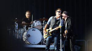 Bruce Springsteen ja E Street Band esiintymässä.
