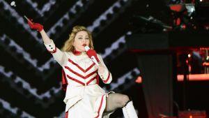 Madonna lavalla.