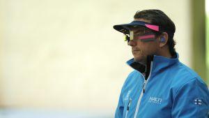 Kai Jahnsson pistoolikarsinnassa (50 m) Lontoon olympialaisissa.