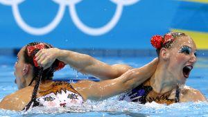 Venäjän taitouimarit olympia-altaassa.