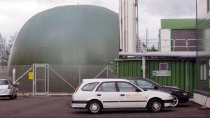 Biokaasulaitoksen kaasusäiliö.