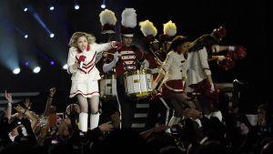 Madonna konsertoi Helsingin olympiastadionilla.