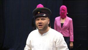 Petri Bäckström esittää Kenraali-oopperan pääosaa.