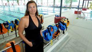 Lappeenrannan Uimareiden uintivalmentaja ja -opettaja Eeva Ketola.