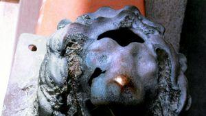 Italian Calabriasta löytynyt pronssinen leijonanpää.