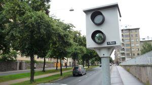 Liikennevalvontakamera saatiin asennettu Mechelininkadulle kaksi päivää sitten.