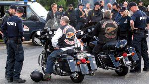 Tanskan poliisi tarkastaa Hells Angels moottoripyöräjengiläisiä
