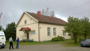 Maukkulan vahna koulurakennus