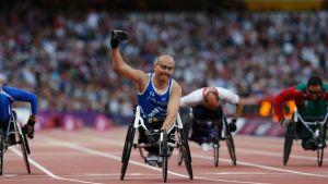 Suomen Toni Piispanen voitti olympiakultaa 100 metrin pyörätuolikelauksen T51-sarjassa.