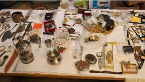 Meri-Lapin asuntomurroissa varastettua tavaraa.