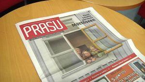 Kuvassa Prasu-lehden ensimmäinen numero