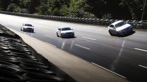 Kolme Opel Insignia -autoa Opelin uudella testiradalla.