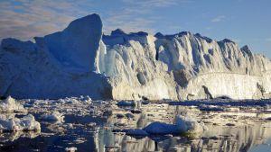 Ilulissatin jäätikkö synnyttää koko ajan jäävuoria