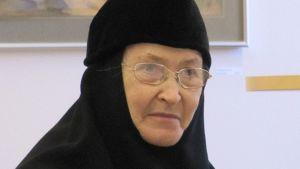 Lintulan luostarin johtaja Nunna Mikaela.