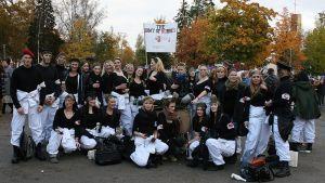 Kuvassa AMK-opiskelijoiden Tursajaiset Kokkolassa 2012, kuvassa hoitajaopiskelijoita