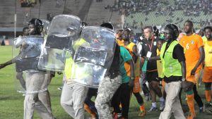 Senegal Norsunluurannikko keskeytyi kannttajien riehumisen takia