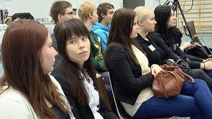 Tampereen ammattiopiston opiskelijoita