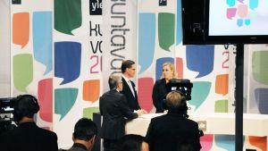 Jyrki Katainen ja Jutta Urpilainen Ylen vaalistudiossa lokakuussa 2012.