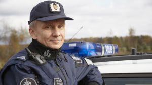 Vuoden poliisi 2012 on Risto Maksimainen.