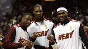 Dwyane Wade Chris Bosh LeBron James NBA-sormukset