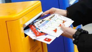 joulukortit posti