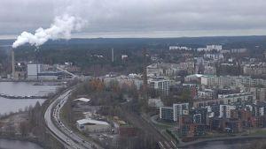 Tampereen keskusta kuvattuna Näsinneulasta.