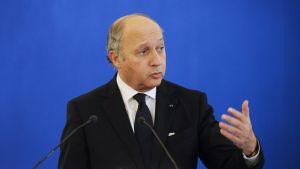 Ranskan ulkoministeri Laurent Fabius puhui euroopan ulkoministerien puolustusta koskevassa tapaamisessa Pariisissa 15. marraskuuta 2012.