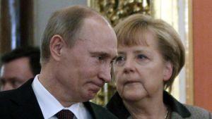 Putin ja Merkel Kremlissä 16. marraskuuta.