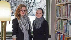 Kansainväliseen kirjoittamiskuukauteen marraskuussa osallistuneet Annukka Salama ja Minna Manninen
