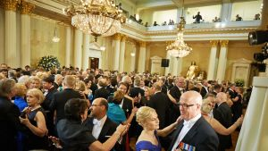 Linnan juhlat 2012- pareja tanssilattialla.