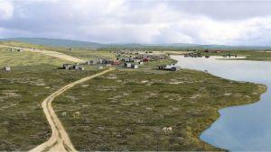 Vuorikylän tiivisti rakennettua keskustaa lintuperpektiivistä lännestä kuvattuna.