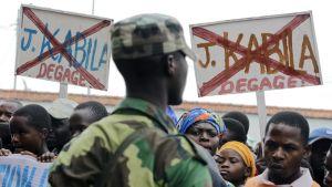 Kongolaisen M23-kapinallisryhmän kannattajat osoittivat mieltään presidenttti Joseph Kabilaa vastaa Gomassa