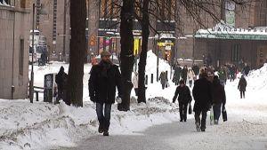 Helsinkiläisiä on jo yli 600 000.
