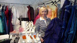 Juhlapukuliike The Cloth Housen omistaja Carita Byde