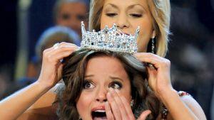 Miss America -kilpailu järjestetään nyt 92. kertaa. Kuvassa Katie Stam kruunataan vuoden 2009 kauneuskuningattareksi.