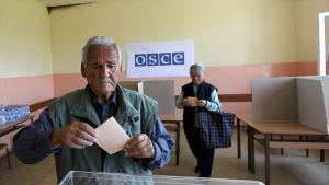 Kosovossa asuvat serbit äänestävät Serbian presidentinvaaleissa.