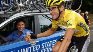 Lance Armstrong kuvassa