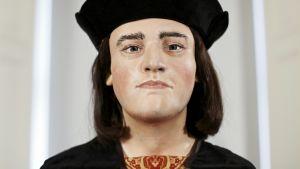 Mallinnus Rikhard III:n kasvoista Leicesterin yliopistossa.