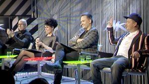 Uuden Musiikin Kilpailun tuomarit Toni Wirtanen, Aija Puurtinen, Tomi Saarinen ja Redrama .