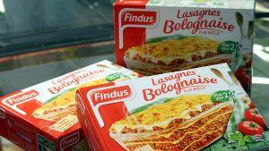 Ranskassa myynnissä olleita Finduksen pakastelasagnepaketteja.