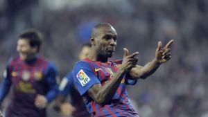 Barcelonan Éric Abidal tuulettaa.