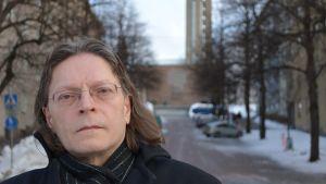 Pastori Juha Pessi.